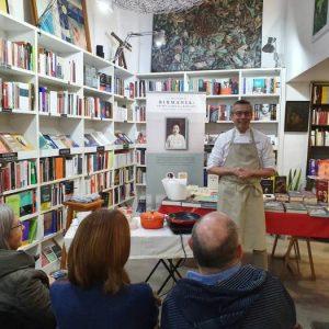 Presentación con charla y show cooking de Stephen Anderson que nos habló de cocina, familia y rebelión mientras preparaba el clásico mohinga birmana.