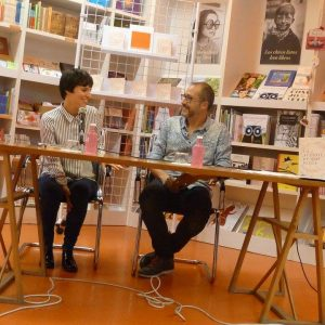 Almudena Sánchez y Kike Parra Veïnat en la Librería Ramon Llull. Octubre 2016.
