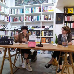 Tarde estupenda con Sara Mesa y María José Espinosa de los Monteros. Hablamos de Un amor, un libro magnífico y turbador. Maravilla de libro y autora.